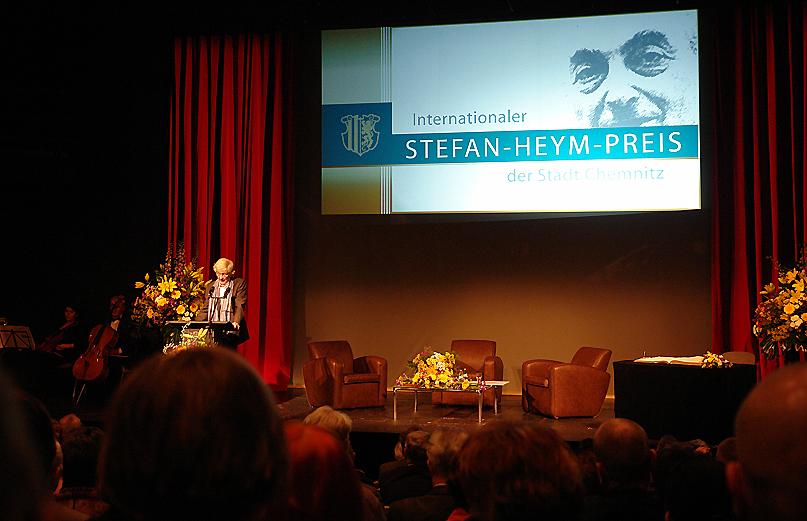 Zuletzt wurde der Internationale Stefan-Heym-Preis anlässlcih von Heyms 100. Geburtstag 2013 an Christoph Hein verliehen.