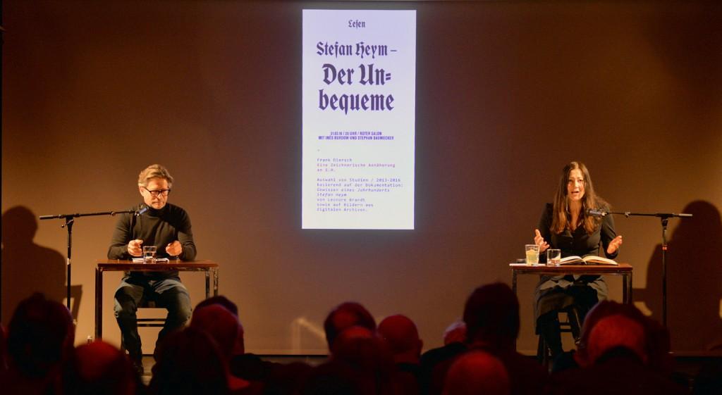 Stephan Baumecker und Inés Burdow mit ihrem Stefan-Heym-Programm in der Berliner Volksbühne. Foto: Kuno Troschke